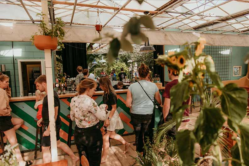 De Bar - De Groene Huiskamer_2 - Buitenpost