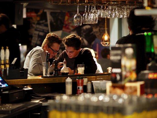 Wat je drinkt - In de kas - Buitenpost